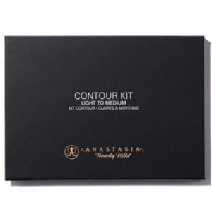 Anastasia Light-Medium Countour Kit BNIB